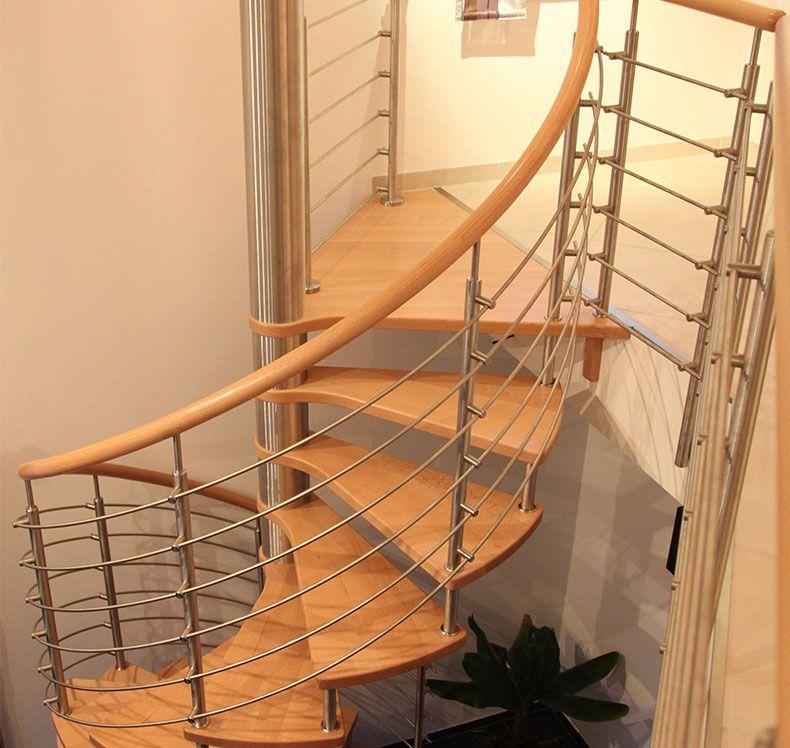 spindeltreppe von fhs treppen treppenhersteller f r. Black Bedroom Furniture Sets. Home Design Ideas