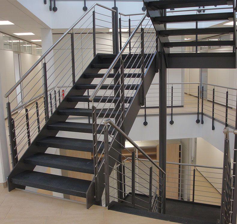stahlwangentreppe von fhs treppen treppenhersteller f r. Black Bedroom Furniture Sets. Home Design Ideas